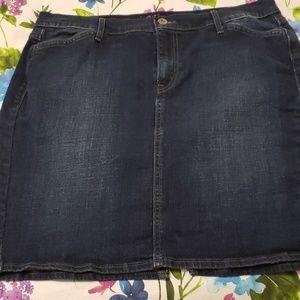 Levi jean skirt. Size 14. Pockets/split hem